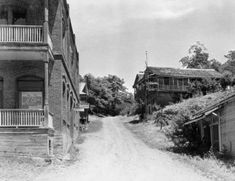 Buildings in Kennett which are now located under lake shasta. shasta lake has multiple ghost towns hidden beneath its water. Shasta Dam, Lake Shasta, Redding California, Sunken City, Red Bluff, Sacramento River, Gold River, California History, Ventura County