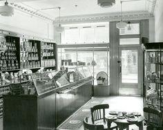 https://flic.kr/p/nTVzZg | Keiller - Carnoustie | Interior view of the shop at Carnoustie