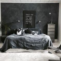 Awesome 513 mentions I like, 17 comments - в .- Fantastische 513 Erwähnungen, die ich mag, 17 Kommentare – вιѕĸopѕgården (Biskopsgarden) zum … Awesome 513 mentions I like, 17 comments – вιѕĸopѕgården (Biskopsgarden) on the subject … - Cozy Bedroom, Home Decor Bedroom, Bedroom Wall, Master Bedroom, Bedroom Ideas, Bedroom Furniture, Men Home Decor, Bedroom Rustic, King Bedroom