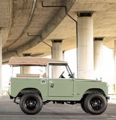 Defender 130, Landrover Defender, Land Rover Series 3, Simple Machines, Expedition Vehicle, Jeep 4x4, Car Photography, Range Rover, Old Cars