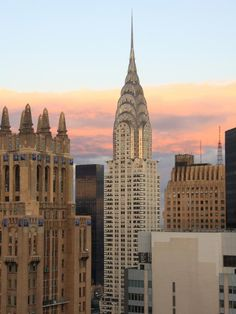 Beautifyl sky above the Chrysler Building