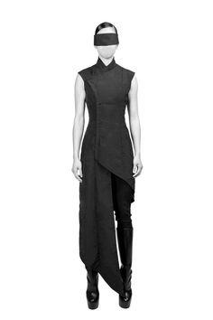 "Sartorial Adventure — ""Shinigami,"" fall/winter 2015 by Hogan McLaughlin Dystopian Fashion, Cyberpunk Fashion, Dark Fashion, High Fashion, Womens Fashion, Fashion Fashion, Post Apocalyptic Fashion, Inspiration Mode, Fitness Inspiration"