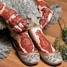 ❣️❣️🅢🅠🅤🅘🅢🅗🅗🅗❣️❣️ (@dpz_queen11) • Instagram photos and videos Henna Hand Designs, Mehandi Designs, Mehndi Designs Feet, Legs Mehndi Design, Stylish Mehndi Designs, Mehndi Design Photos, Wedding Mehndi Designs, Beautiful Mehndi Design, Best Mehndi Designs