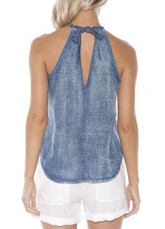 Bella Dahl Halter Tank at Art Effect. Bella Dahl Halter Tank at Art Effect. Blue Crush, Jean Diy, Denim Fashion, Fashion Outfits, Estilo Jeans, Mode Jeans, Denim Crafts, Recycle Jeans, Recycled Denim