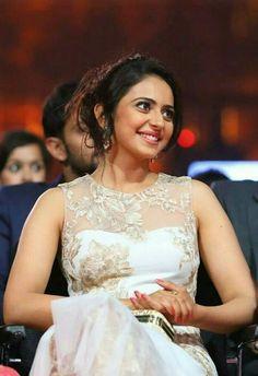 Cool rakul!! Celebrity Singers, Celebrity Style, Mermaid Prom Dresses, Flower Girl Dresses, Indian Celebrities, Bollywood Actors, Woman Crush, Beautiful Actresses, Indian Actresses