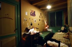 The story of Anne Frank: In hiding  Annes room