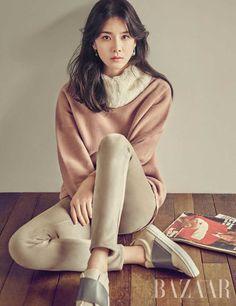 Lee Bo Young Poses for Harper's Bazaar Korean Actresses, Korean Actors, Actors & Actresses, Young Fashion, Asian Fashion, Lee Bo Young, Korean Entertainment, Celebs, Celebrities