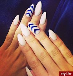 I have a blue nail polish like that.this is cute