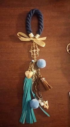 Christmas Crafts, Xmas, Bazaars, Tola, Lucky Charm, Wedding Favours, Tassel Necklace, Tassels, Diy And Crafts
