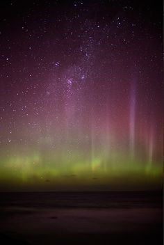 Aurora Australis - New Zealand. Southern Hemisphere display from Antarctic. Beautiful Sky, Beautiful World, Beautiful Places, Places To See, Places To Travel, Earth From Space, Natural Phenomena, What A Wonderful World, Science And Nature