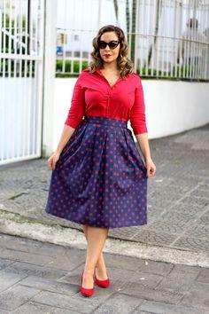 Look navy / saia midi de bolinhas / navy outfit / marinho e vermelho                                                                                                                                                                                 Mais