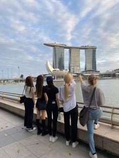 Kpop Girl Groups, Korean Girl Groups, Kpop Girls, Korean Best Friends, Bff Pictures, Group Photos, Mamamoo, Ulzzang Girl, K Idols