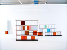 Self shelf ­ 2004 Composable Shelf ABS, polycarbonate, chromed steel  Board:  1800 x 390 x 60 mm Divider:  330 x 7 x 360 mm  Vitra, Switzerland