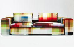 Pixel sofa van het merk Zuzunaga. Het is een voorbeeld van een succesvolle combinatie van innovatieve, digitaal ontwerp en gebruiksgemak.