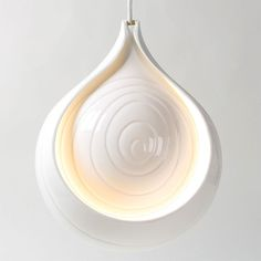 Cibola Shallot Pendant. Available from Bromley & Bromley. £405 #bromleyandbromley #scabetti #light #pendant #cibola #onion #shallot #ceramic