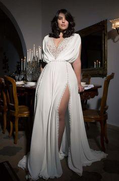 plus size collection 2017 Plus Size Wedding Gowns, Best Wedding Dresses, Bridal Dresses, Bridesmaid Dresses, Civil Wedding Dresses, Plus Size Brides, Modest Wedding, Casual Wedding, Boho Wedding