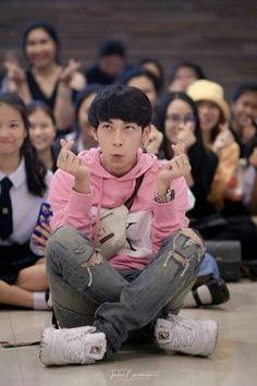 Actors Funny, Cute Actors, Meme Faces, Funny Faces, Boy Meme, Isak & Even, Cute Kids Pics, Thai Tea, Boyfriend Photos