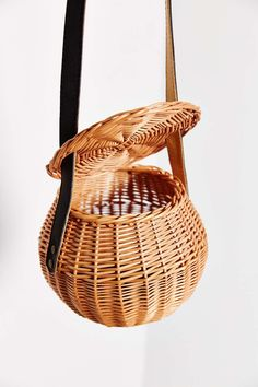 7 Wicker Basket Handbags That Are Equal Parts Retro, Bold, & Totally Practical
