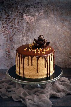 Fahéjas-mascarponés diótorta recept csurgatva és csokivirág