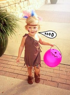 I have a SUPER EASY, no sew, DIY Halloween costume tutorial for you guys today. This is best suited for children's costumes, unless you wanted to cut your shirt Diy Baby Costumes, Twin Costumes, Toddler Costumes, Baby Halloween Costumes, Halloween Diy, Baby Indian Costume, Indian Costumes, Teepee Party, Pocahontas Costume