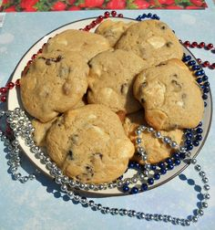 #FoodFunHop :: Red, White, and Blue Cookies by http://hezzi-dsbooksandcooks.blogspot.com