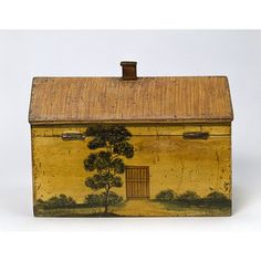 """Tea caddy Carol says, """"I love the mustard color and the primitive artwork - just my style""""."""