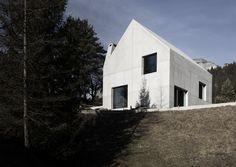 SINGLE FAMILY HOUSE by schneller caminada architekten