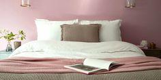Quel mur peindre en couleur? Marie Claire, Bedroom, Desk, Living Room, Color, Bedrooms, Master Bedrooms, Dorm