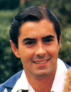 Tyrone Power: he is so classically handsome. Hollywood Men, Old Hollywood Stars, Golden Age Of Hollywood, Classic Hollywood, Hollywood Glamour, Vintage Hollywood, Tyrone Power, Most Handsome Actors, Hot Actors
