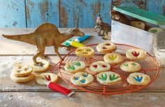 Get the kids help with these creative dinosaur biscuits! The perfect little treat for their lunch boxes
