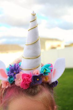 Unicorn costume DIY - A girl and a glue gun Diy Unicorn Horns 8c09b27cd544