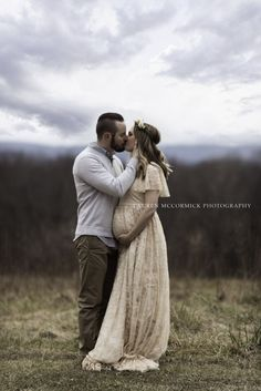 Josephine Gown Lace Flutter Maternity Cast Wedding Gown Boho Lace Lace Dresses by Sew Trendy Maternity Photography Poses, Maternity Poses, Maternity Portraits, Maternity Wedding, Pregnancy Photography, Outdoor Maternity Photos, Fall Maternity Shoot, Sibling Poses, Couple Maternity Photos