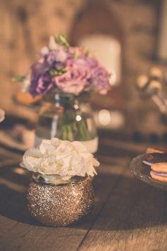 La décoration - Mariage sur le thème Gatsby en région Rhône-Alpes à découvrir sur le site d'inspiration mariage The great Palette www.thegreatpalette.com - Photographe : La Paire de Cerises