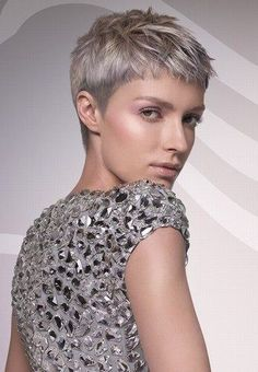 Grey hair or pixie cut? In this post you will find the best images of Pixie Haircut for Gray Hair that you will love! Hair trends come and. Pixie Hairstyles, Short Hairstyles For Women, Straight Hairstyles, Cool Hairstyles, Pixie Haircuts, Hairstyles 2018, Short Razor Haircuts, Grey Haircuts, Woman Hairstyles