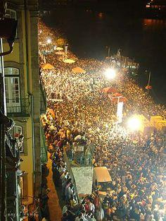 S João party near the river @ Porto    Foto de Carlos Romão  www.facebook.com/oportocity