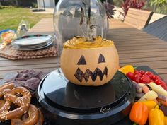 Get Butternut Squash Smoky Queso Dip Recipe from Food Network Dip Recipes, Fall Recipes, Appetizer Recipes, Holiday Recipes, Healthy Appetizers, Snack Recipes, The Kitchen Food Network, Tummy Yummy, Soft Pretzels