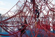 Local Projects teams up with the New York Hall of Science to build an app that reveals the physics of the playground. Physics Lessons, Playground, Obstacle Races, Maze, Architecture, Fun, Design, Inspiration, Children Playground