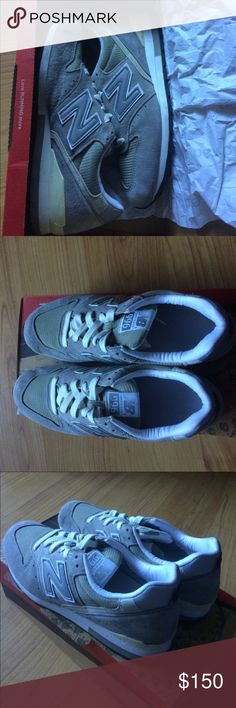 💙New Balance M996 Men's Sneakers 100% Authentic, excellent condition, slightly used. Made in USA. With original box. New Balance Shoes Sneakers