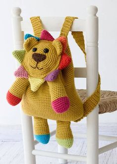 Logan the lion backpack always looks on the bright side of life. When this companion has your back, you'll have sunshine wherever you go! Find Logan and more cheerful designs in our new 'Happy Crochet Book' by One and Two company:...
