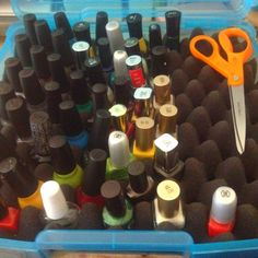 DIY Nail Polish Storage Case Plastic box, foam and scissors. Cut foam to the size of the box then cut small holes in the foam with the scissors make sure to cut deep enough so that the bottles are snug in each hole add polish and close lid Nail Polish Holder, Nail Polish Storage, Plastic Craft, Plastic Bottle Crafts, Makeup Storage, Diy Storage, Diy Xmas Gifts, Beauty Supply Store, Nail Polish Bottles