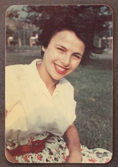 Stunning Vintage Photos Reveal The Brief Life Of Artist Eva Hesse