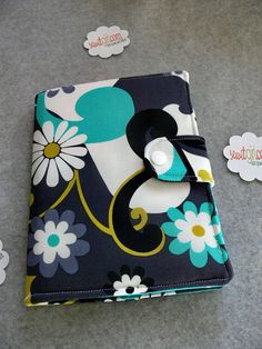 Kindle Touch Cover, Ereader cover, Book Style, Daisy Doodle Dandy, READY TO SHIP