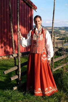Norwegian Traditional Costume Which region or clan/tribe?