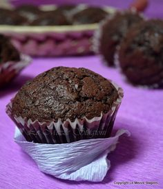 Muffin al cioccolato morbidi, ricetta perfetta Plum Cake, Learn To Cook, Finger Foods, Muffins, Cheesecake, Food And Drink, Cooking Recipes, Cupcakes, Yummy Food