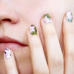 Postage stamp manicure? Yup. Plus another 15 whimsical ways to show off, repurpose and refab postage stamps. Must do the shoes and manicure~would be cute done with old sheet music too...
