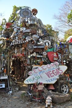 The Cathedral of Junk in Austin, Texas // bucket list Austin Texas, Texas Roadtrip, Texas Travel, Oh The Places You'll Go, Places To Travel, Texas Bucket List, Texas Forever, Colorado, Lone Star State