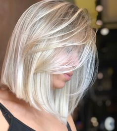 52 Erstaunlich Long Bob Frisuren Um Elegant Auszusehen Welcome to today's update of the best long bob hairstyles for round face shapes as well as … Blonde Hair Looks, Brown Blonde Hair, Platinum Blonde Hair, Blond Bob, Cool Blonde, Blonde Brunette, Blonde Hair Colour Shades, Hair Color And Cut, Medium Hair Styles