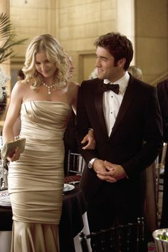 Emily Thorne & Daniel Greyson - Revenge - ABC.com  like the serious version of gossip girl...