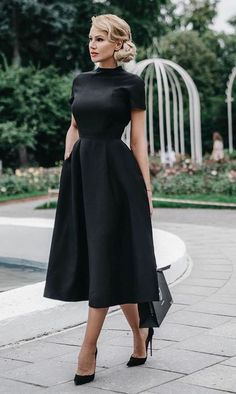 casual dress for funeral best outfits is part of Black dresses classy - Take a look at the best casual dress for funeral in the photos below and get ideas for your outfits! Black & midi, the perfect combo for classy! Stylish Dresses, Nice Dresses, Short Dresses, Fashion Dresses, Dresses For Work, Dress Casual, Dress Formal, Casual Shoes, Work Outfits