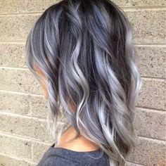 Tendencia pelo gris: fotos de los looks - Ondas en Pelo gris